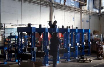 Линия по производству гидравлических прессов OMA-Werther