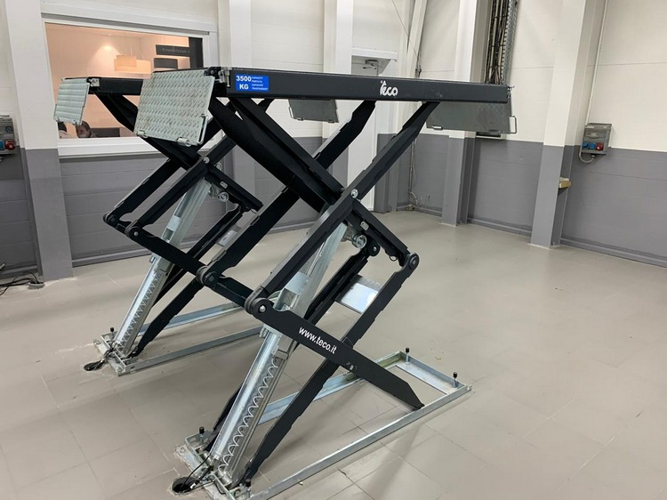 подъемное, диагностическое и шиномонтажное оборудование teco и launch для автосервиса мазда